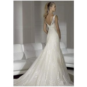 Pronovias NWT Higuera Ivory Beaded Wedding Dress